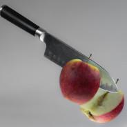 Nożem….w jabłko